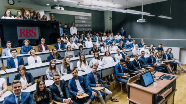 Sagatavojies uzņemšanai RTU Rīgas Biznesa skolas bakalaura programmās!