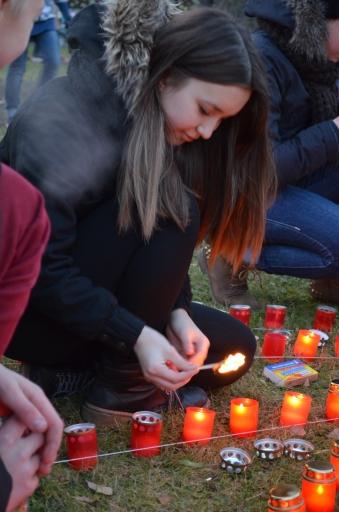 Sveču zīmēs