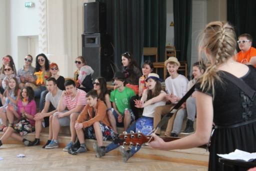 Teātra dziesmu konkurss