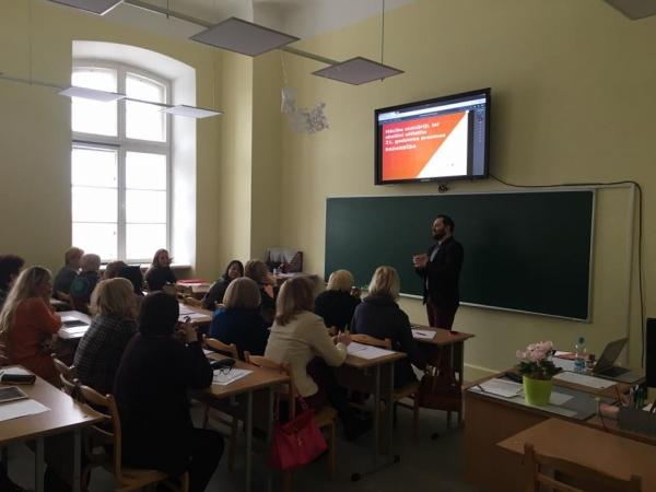Reģionālās konferences valodu, dabaszinātņu un matemātikas skolotājiem