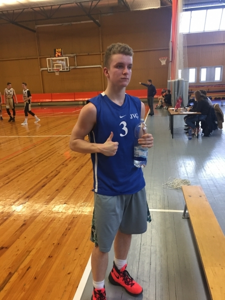 Basketbolafinalā -bronza!