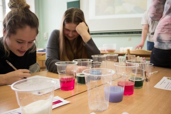 Makaronu tilti un Krāsu zinātne