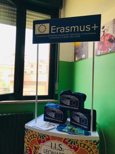 "Erasmus+ projekta ""ICT in Active Learning and Teaching- INSPIRING, CHALLENGING, TERRIFIC"" sanāksme Itālijā, Sicīlijā"