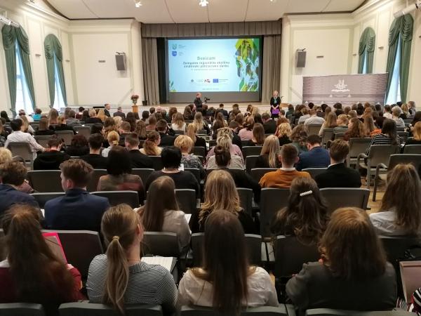 Noslēgusies Zemgales reģiona skolēnu zinātniski pētniecisko darbu konference