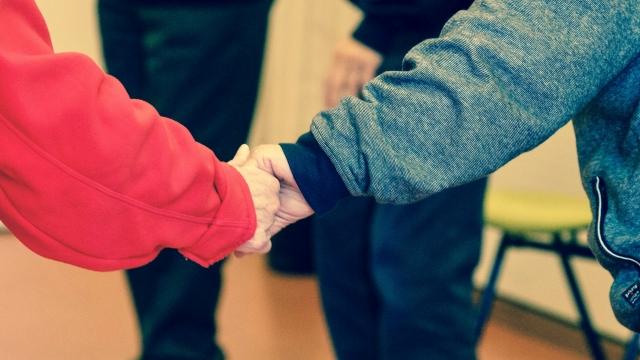 Atbalsts ģimenēm, kuras ietekmējusi koronavīrusa izraisītā krīze